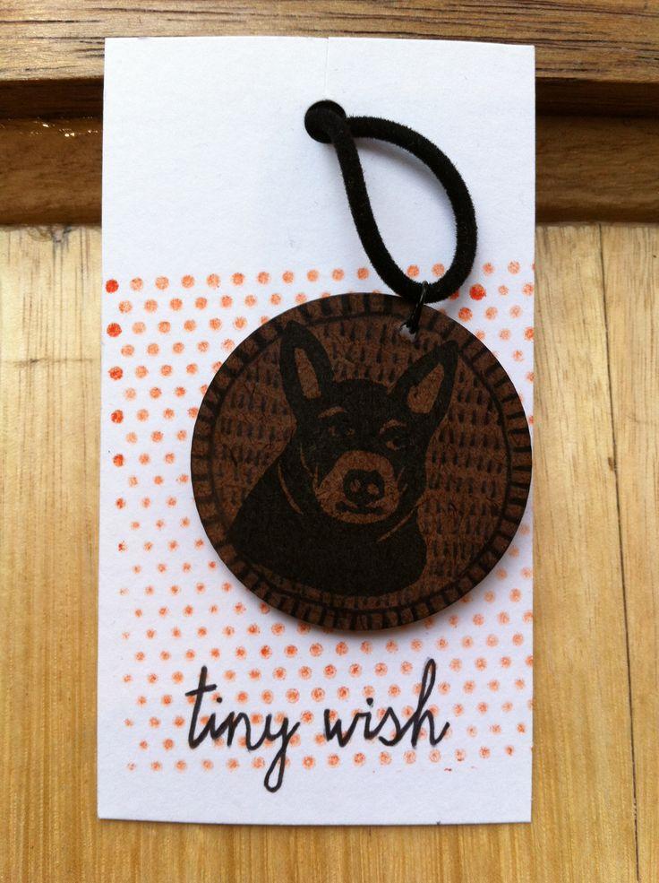 Necklace: Dusty Dog 01