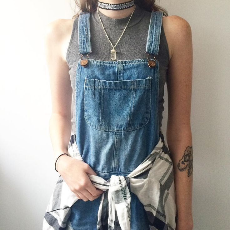 Throw on some overalls and you're all set. Simple yet stylish.