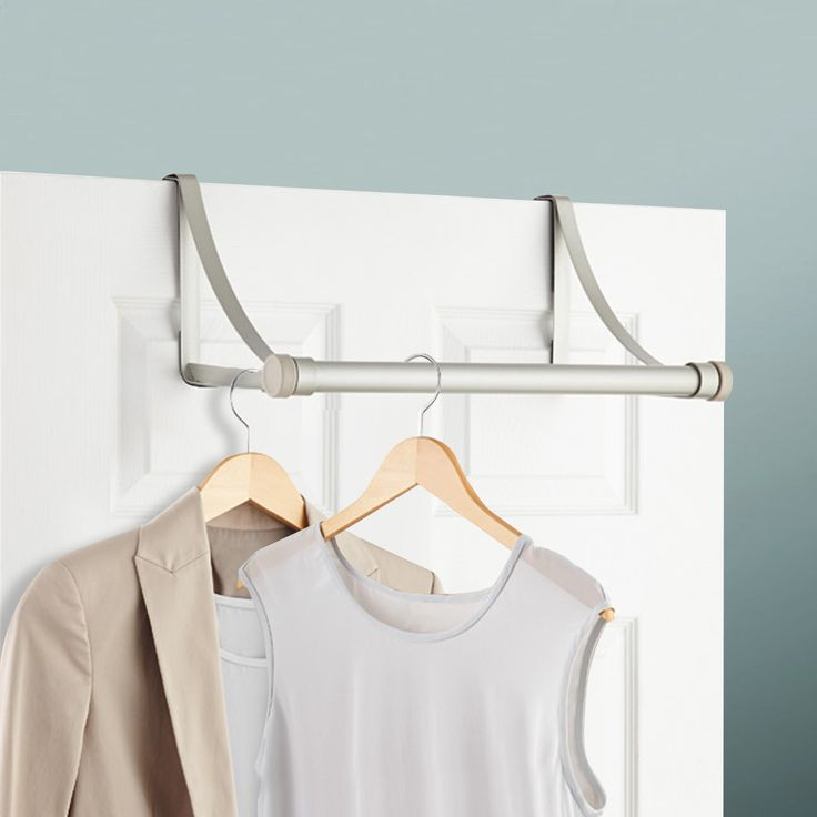 Los percheros te ayudan a organizar y puedes ahorrar espacio.
