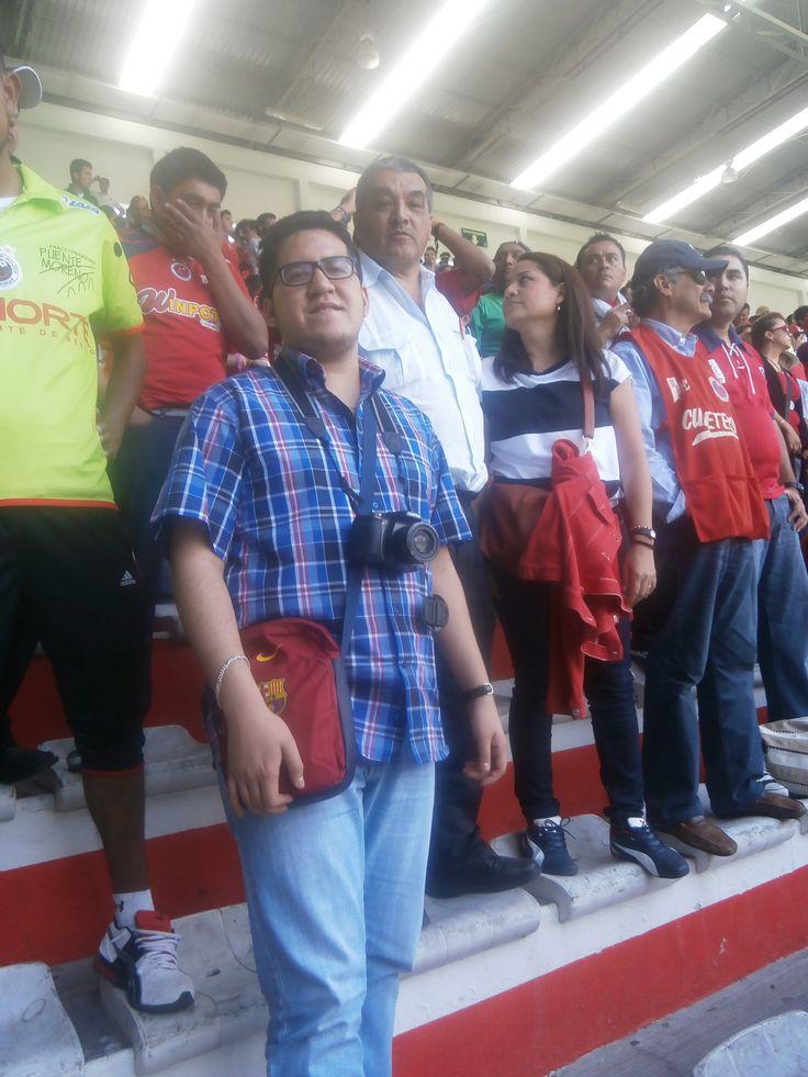 Ya en las gradas del Estadio del Toluca. Fútbol en vivo. Liga mexicana / #viajes #travel #viajesmuseo #traveller #travelling #vacation #placestovisit #trips