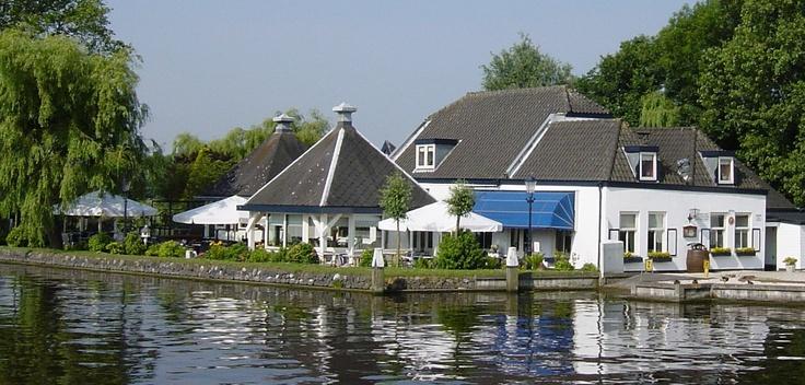 Culinair genieten bij gastronomisch Restaurant De Knip in Voorschoten met terras aan De Vliet.