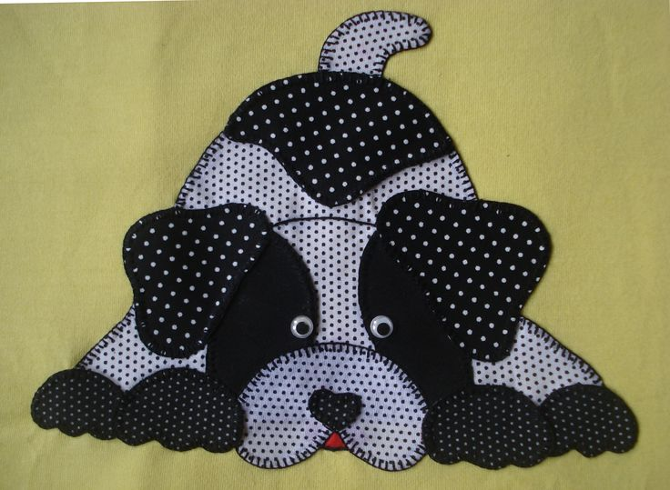 Camiseta infantil com patchcolagem This could make a cute potholder or mug rug, too.