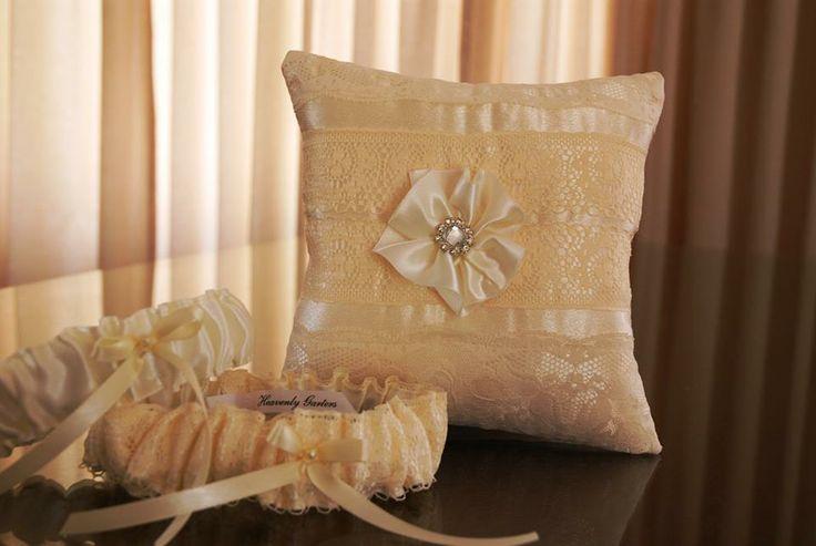 Beige garter and ring pillow set♥ louise@heavenlygarters.co.za