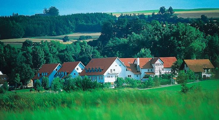 Landhotel Alte Mühle Ostrach This hotel offers free Wi-Fi, a garden and a variety of spa facilities, in the rural village of Waldbeuren. Lake Constance is a 30-minute drive away and it is 8 km to the historic centre of Pfullendorf.