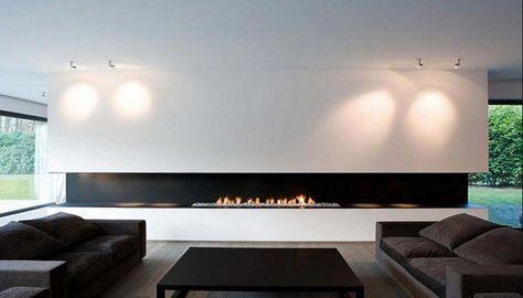 Esbelta chimenea, sobria, elegante y sencilla.