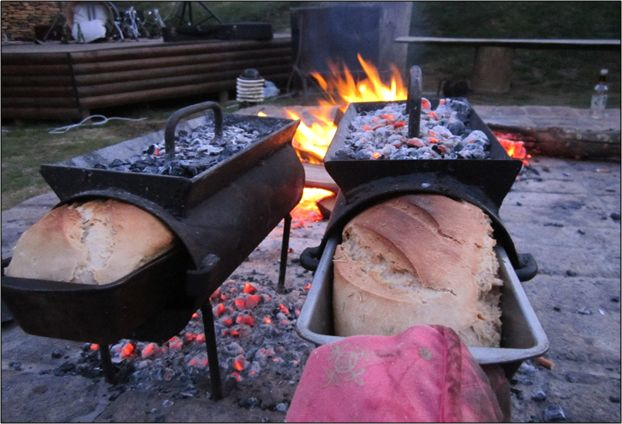 Vuurvarkie Braai Bread Oven. Charcoal under, charcoal over, bread in the middle. Love it!  vuurvarkie-braai-bread-oven-braaishop