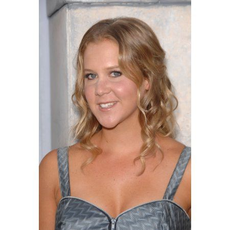 Amy Schumer At Arrivals For Comedy Central Roast Of Charlie Sheen Canvas Art - (16 x 20)