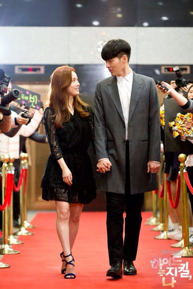 Hyde Jekyll Me - Ha Na & Robin at Comic Book event