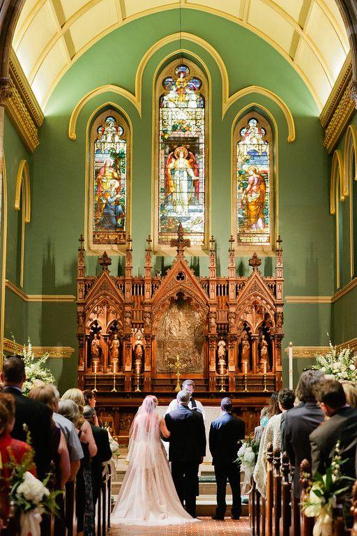 Planner: Angela Proffitt Venue: Christ Church Cathedral, Nashville Photographer: Kristyn Hogan