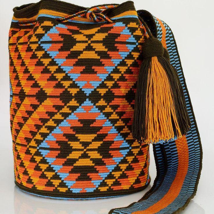 86 отметок «Нравится», 1 комментариев — Just Wayuu (@just.wayuu) в Instagram: «Handcrafted handbags made by indigenous wayuu in the north of Colombia. Worldwide shipping – envíos…»