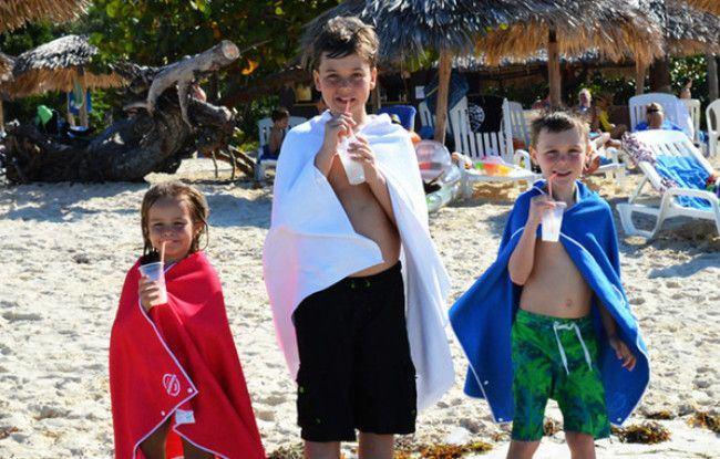 Wrap it. Snap it. Snap Towels are made with premium waffled microfiber. These high absorbency towels are perfect for the beach, gym, picnics, and pool.