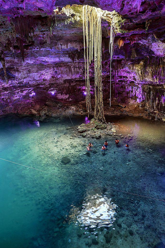 Perto da cidade de Valladolid um quilômetro na cidade de Dzitnup é o cenote Samula . É uma caverna subterrânea bonita que irá surpreendê-l...