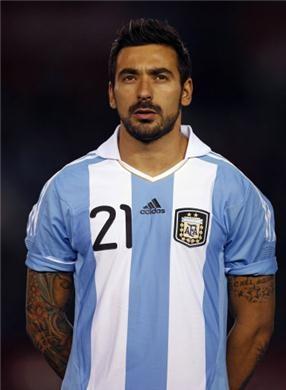 ezequiel lavezzi, jugador del psg y de la selección argentina. fuerza pocho!