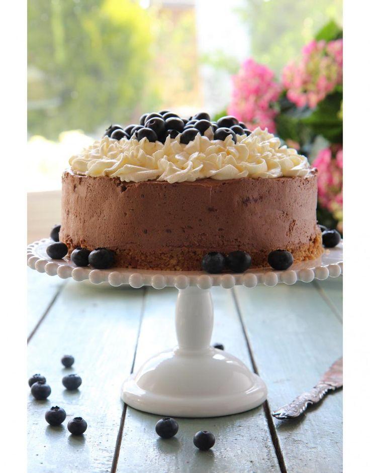Mustikkainen suklaajuustokakku // Blueberry & Chocolate Cheese Cake Food & Style Sari Kalliomäki, Tyrniä ja tyrskyjä www.maku.fi