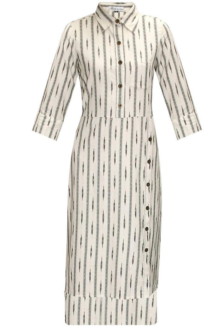 White ikat high low shirt dress by Akuri by Puri. Shop now: http://www.perniaspopupshop.com/designers/akuri-by-puri #shopnow #perniaspopupshop #akuribypuri