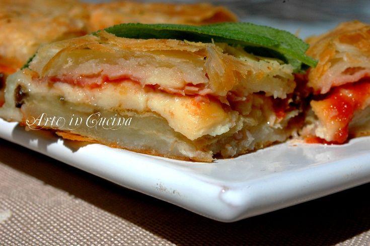 Torta salata parmigiana con pasta sfoglia alla ricotta o philadelphia