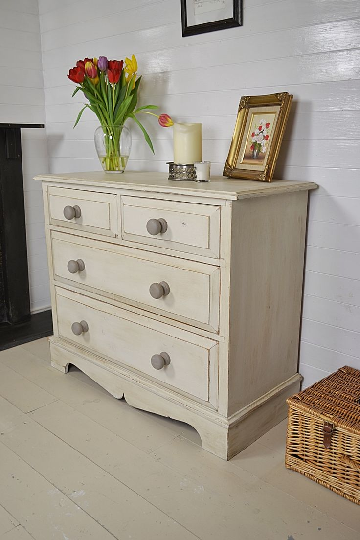 This chest of drawers has an abundance of country charm and we love its incredibly sturdy and heavy quality. Hand painted in Annie Sloan Old White with French Linen handles and inner drawers, this really is a stunning piece for any bedroom.