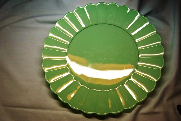 Green Frosted Plate $18 at www.vintagemoi.com.au
