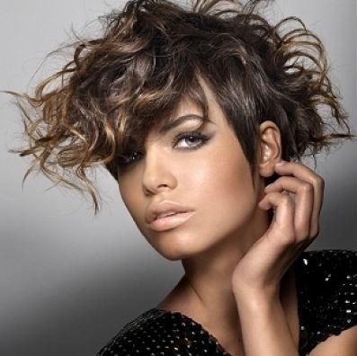 Risultati immagini per capelli che vanno di moda