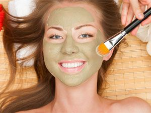 5 Effective Face Masks For Whiteheads