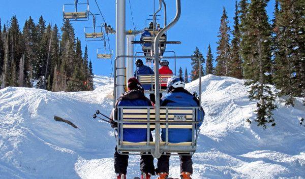 """Primele telescaune au fost create pentru statiunea de schi din Sun Valley, Idaho, SUA, in anii 1936 si 1937, pe atunci detinuta de """"Union Pacific Railroad"""".  Primul telescaun din Europa a fost construit in anul 1940 in Cehoslovacia, de la Raztoka (620 m altitudine) la Pustevny (la 1020 m altitudine)."""