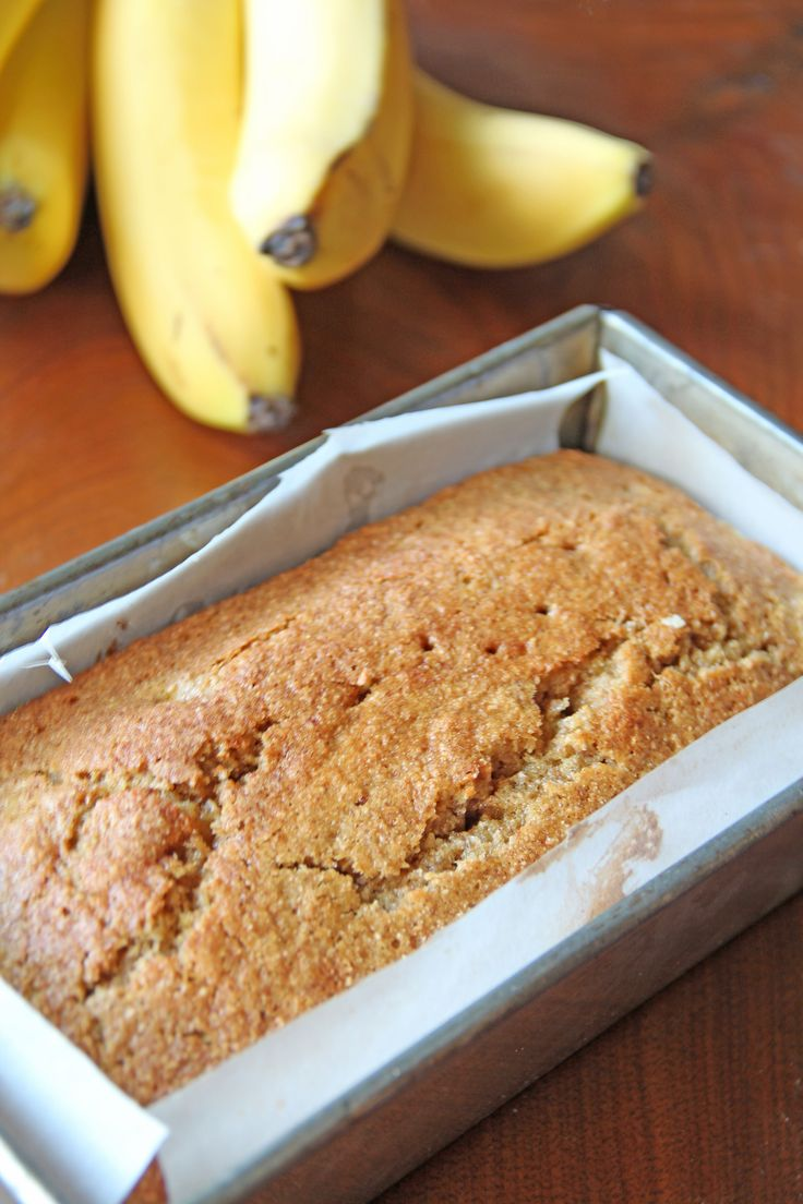 Healthy Banana Bread, made with whole wheat flour and greek yogurt, super delicious!