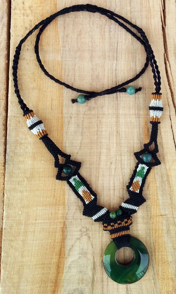 Fils polyestere ciré et fils de nylon (C-Lon), pierre et perles agate striées verte et aventurine
