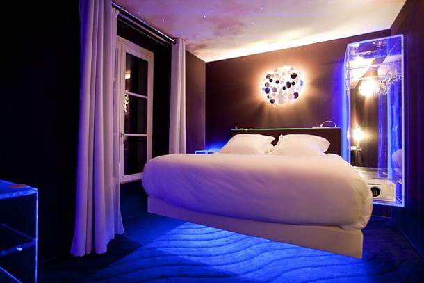 : Decor Ideas, Boutiques Hotels, Cottages Bedrooms, Blue Paris Bedrooms Theme, Bedrooms Design, Blue Lamps, Bedrooms Interiors, Dreams Housebedroom, Bedrooms Ideas
