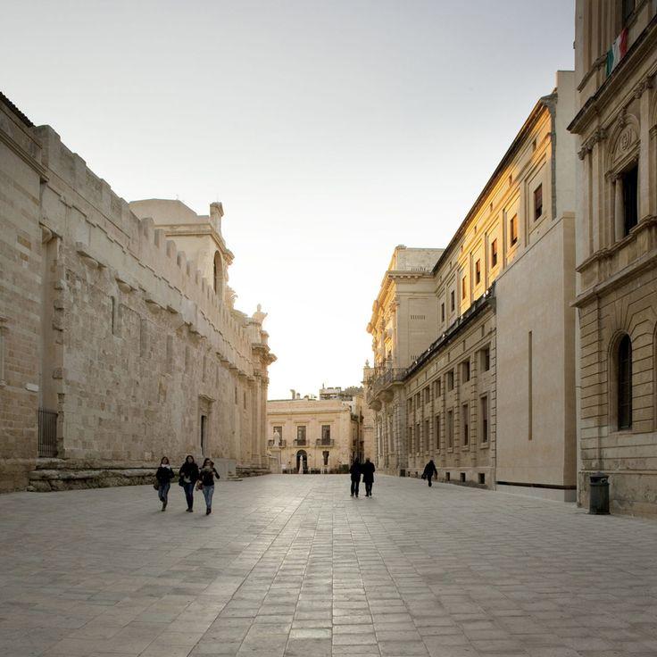 Vincenzo Latina, Lamberto Rubino · Padiglione di accesso agli scavi dell'Artemision di Siracusa · Architettura italiana