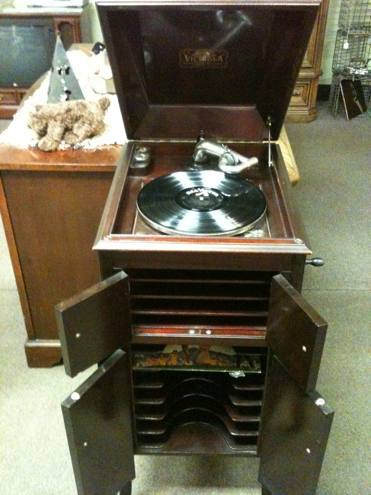 1913 Victrola cabinet. Antique ... - 146 Best Victrola's And Gramophones Images On Pinterest Music
