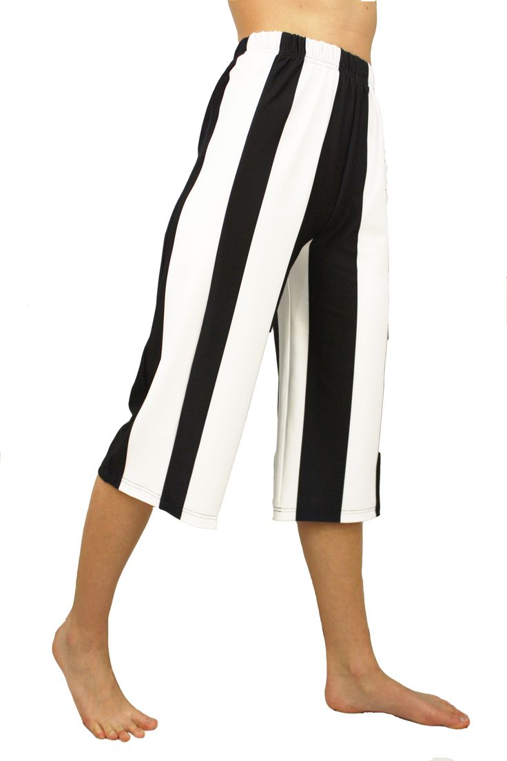 Gaucho loose style pants J76 LeoStar Athletica Gaucho capri in Black/White