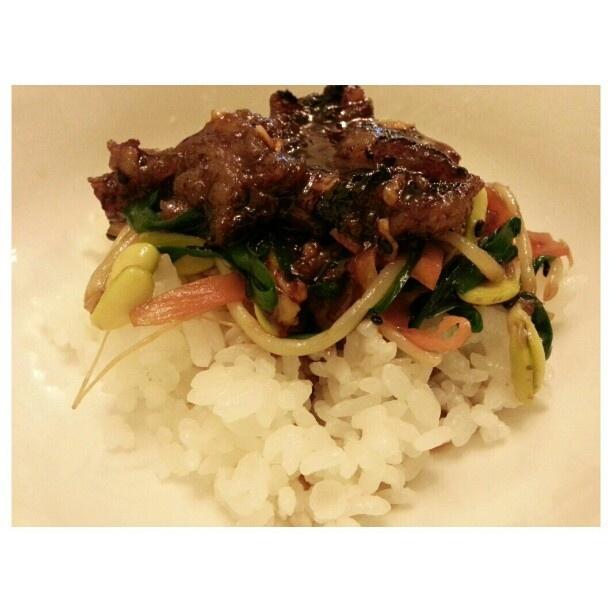 #晩ご飯 #ビビンバ#焼肉#ナムル#韓国料理 #bibimbap #namool #yakiniku on top #koreanfood for #dinner #yummy#food#philippines#フィリピン