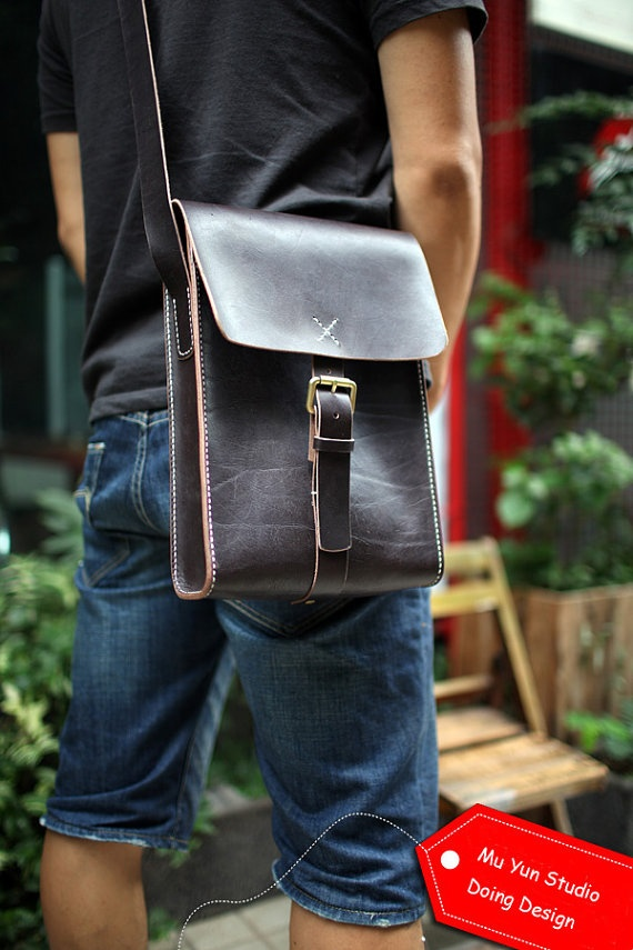 Man, now that is a nice bag! I'd sport that around downtown.