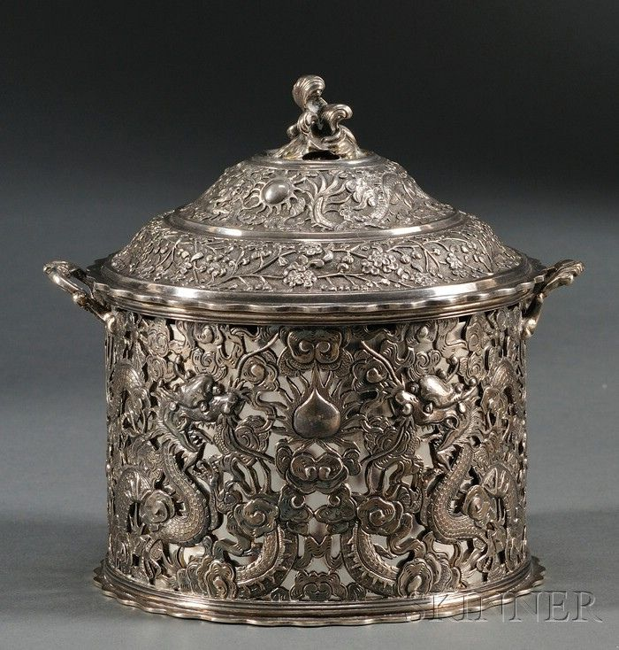 Chinese Export Silver Cannister | View the Sataloff Collection of Chinese Export Silver www.skinnerinc.com/explore/sales/2519B/lots/index