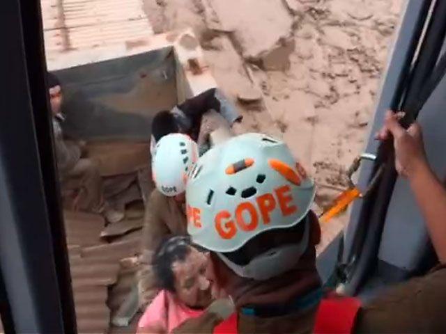 Así rescataron a las familias desde los techos en Chañaral Vídeo