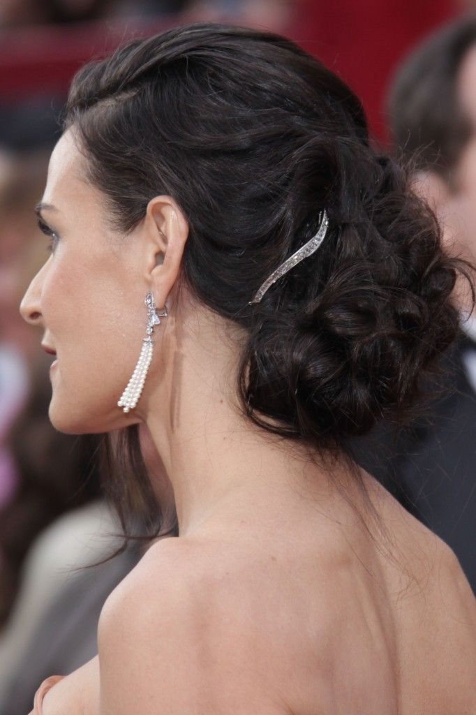 Demi Moore Wearing A Elegant Chignon Hairstyle