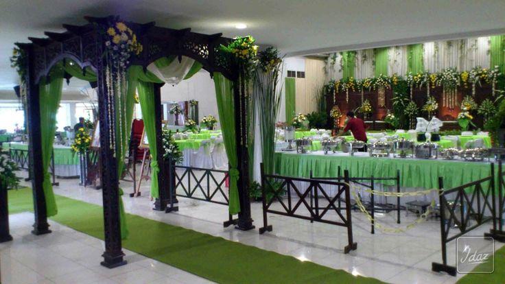 Royal Wedding | Idaz Dekorasi | Dekorasi Pelaminan Modern | Dekorasi Pelaminan Tradisional | Wedding Dekorasi | Paket Pernikahan |Idaz Dekorasi | Dekorasi Pelaminan Modern | Dekorasi Pelaminan Tradisional | Wedding Dekorasi | Paket Pernikahan |