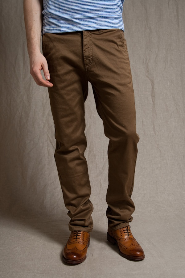 Again, the F&O chino is a nice example of a pair with some taper from the thigh to the ankle. And a pair with either a minimal break (or maybe some extra length to allow a cuff or roll) keeps things sleek and not ultra-baggy. Chino Care. Caring for chinos is something to pay close attention to, as well.