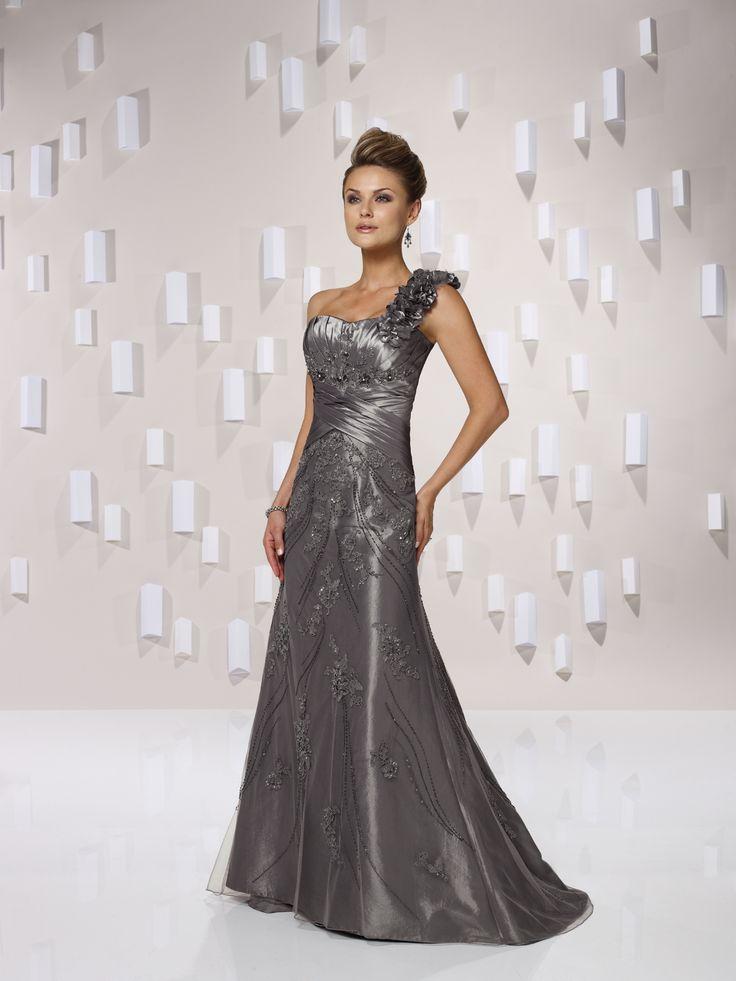 Pretty sleeveless trumpet/mermaid floor-length bridesmaid dress