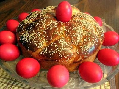 Tsoureki (Greek Easter Bread) | love Greece | Pinterest