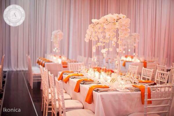 www.anneandersonevents.com Unique centerpieces of luxurious white phalenopsis orchids. #anneandersonevents #wedding #weddingdetails #weddingplanner #weddingplanning #luxuryweddings #weddingdecor  #miamiweddings #muskokaweddings #torontoweddings  Centros de mesa únicos hechos de lujosas orquídeas blancas. #boda #matrimonio #planeaciondebodas #diseñodebodas #decoraciondebodas #inspiracionbodas #bodasespectaculares #bodasoriginales #bodasmiami #bodastoronto