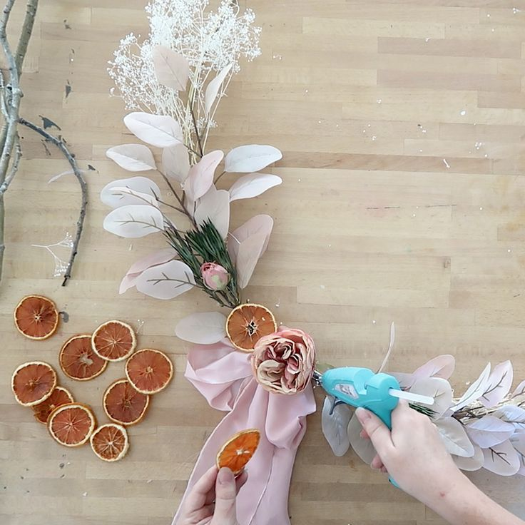 Fall Yarn Wreaths, Diy Fall Wreath, Autumn Decorating, Fall Decor, Corn Husk Wreath, Fall Wreath Tutorial, Easy Crafts To Sell, Wreath Supplies, Pumpkin Wreath