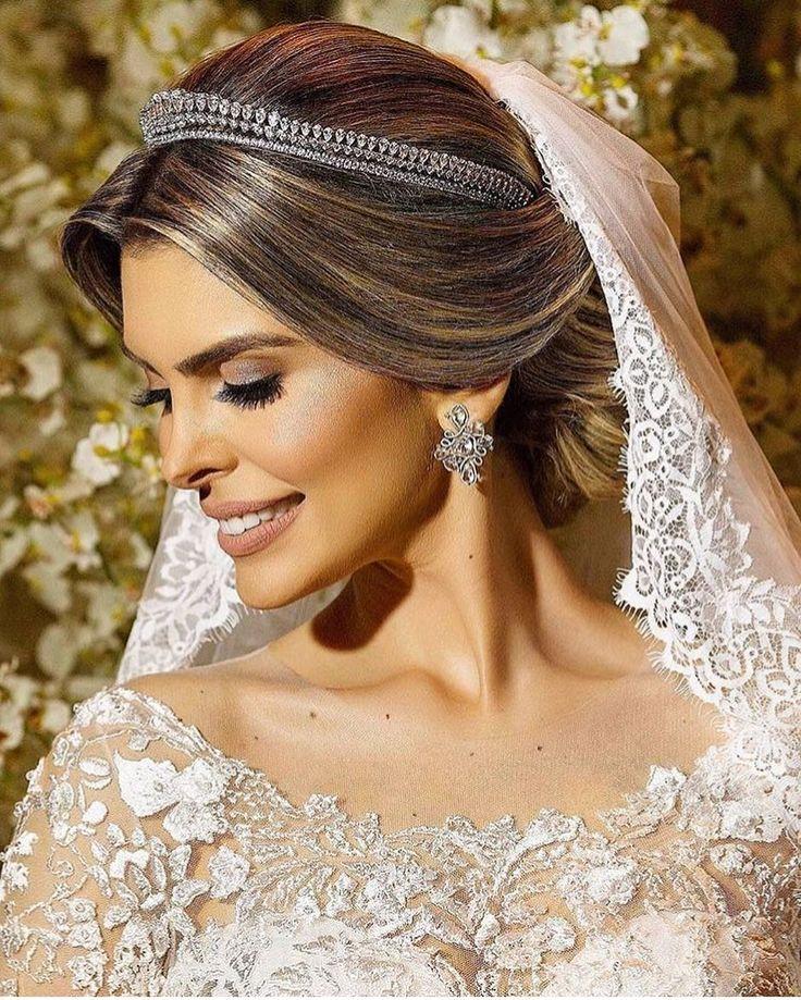Lindíssima Gleyna lemos em seu grande dia! Inspiração do @blogcasamentoefestas  Vestido Lucas Anderi joias Miguel Alcade e beleza Thalyson Salvino!  #prontaparaosim #