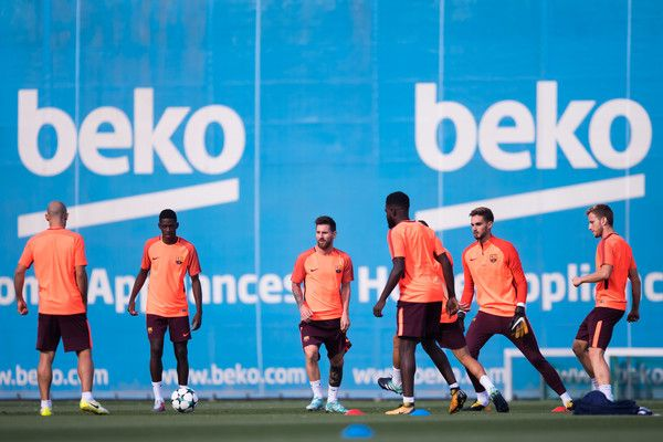 FC Barcelona players perform during a training session ahead of the UEFA Champions League Group D match against Juventus on September 11, 2017 in Barcelona.