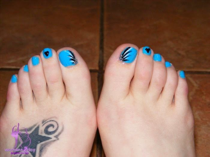 Best 25 easy toenail designs ideas on pinterest simple toenail toe nails easy cute toe nails blue polish shine look simple prinsesfo Choice Image