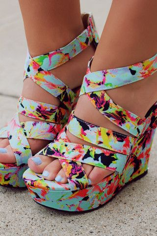 Floral Strappy Zipper Back Wedge FINDER-349 | UOIOnline.com: Women's Clothing Boutique