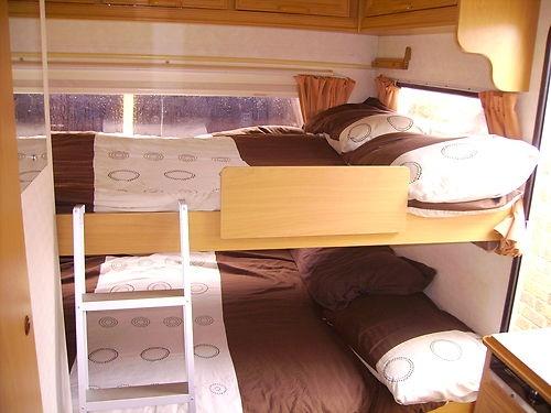 Double Bed Bunks In A Caravan D Caravans Cars And
