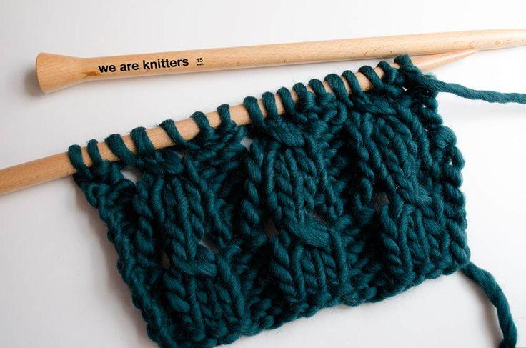 Heute zeigen wir euch ein neues Muster, das ihr zu eurer Sammlung hinzufügen könnt. Es heißt geflochtene rippe strickt und wird auch ähnlich wie eine Rippe ...