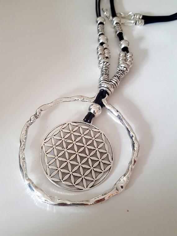 collier de cuir longue perlée femme boho, collier style bohème, fleur de vie, anneau sans fin collier Gypsy, spirituel, poison idea, pour