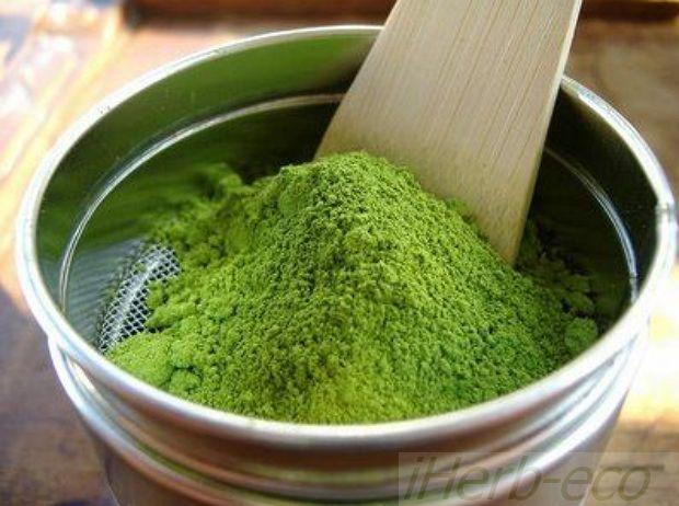 Зеленый чай Матча:iHerb-eco С японским чаем матча можно сделать огромное разнообразие домашней косметики.  Благодаря своему ярко-зеленого цвету его можно использовать как натуральный краситель в мыле, скрабах, масках и кремах для лица.  Как активный компонент-антиоксидант - добавлять в любые косметические средства для лица и тела: кремы, бальзамы, маски для лица, скрабы и баттеры для тела, косметика до- и после солнца, смягчающие и лечебные бальзамы для раздраженной кожи.